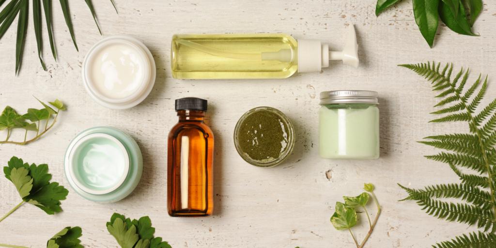 produits cosmétiques naturels, huile végétale et essentielle, poudre, crème